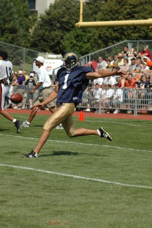 The St. Louis Rams & Chicago Bears scrimmage at the Rams summer training camp in Macomb, August 7, 2004.